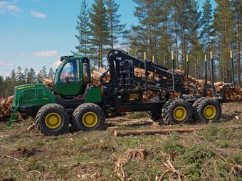 Лесовоз John Deere Forwarder 1910E